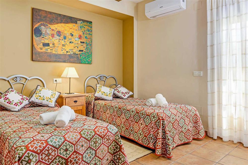 Twin bedroom at Villa Cortijo Herrero, Frigiliana, Andalucia
