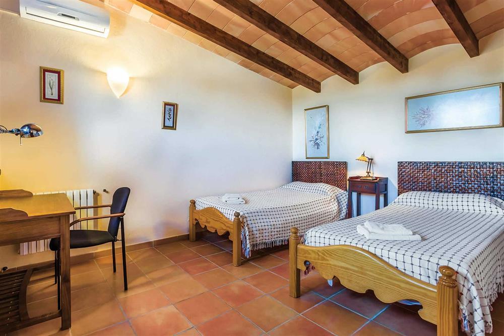 Twin bedroom (photo 2) at Villa Cosme, Pollensa, Mallorca, Spain