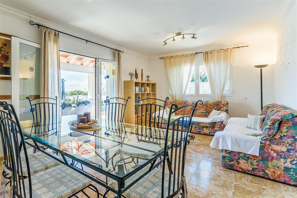Living room and dining area at Villa Diniz II, Alcudia Mallorca, Spain