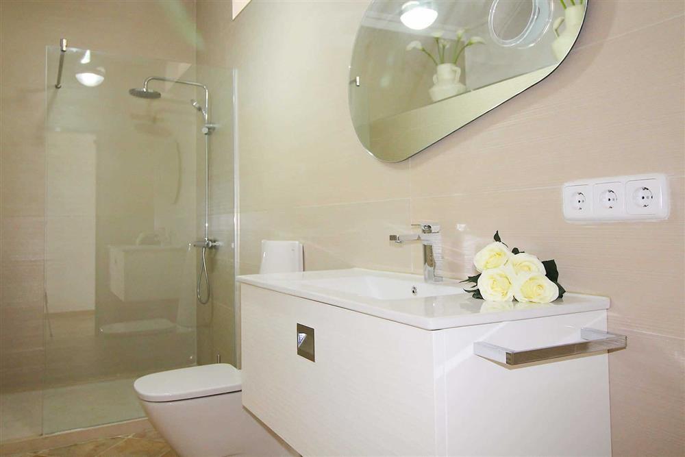 Double bedroom (photo 2) at Villa Es Bosqueres, Santa Margalida, Mallorca