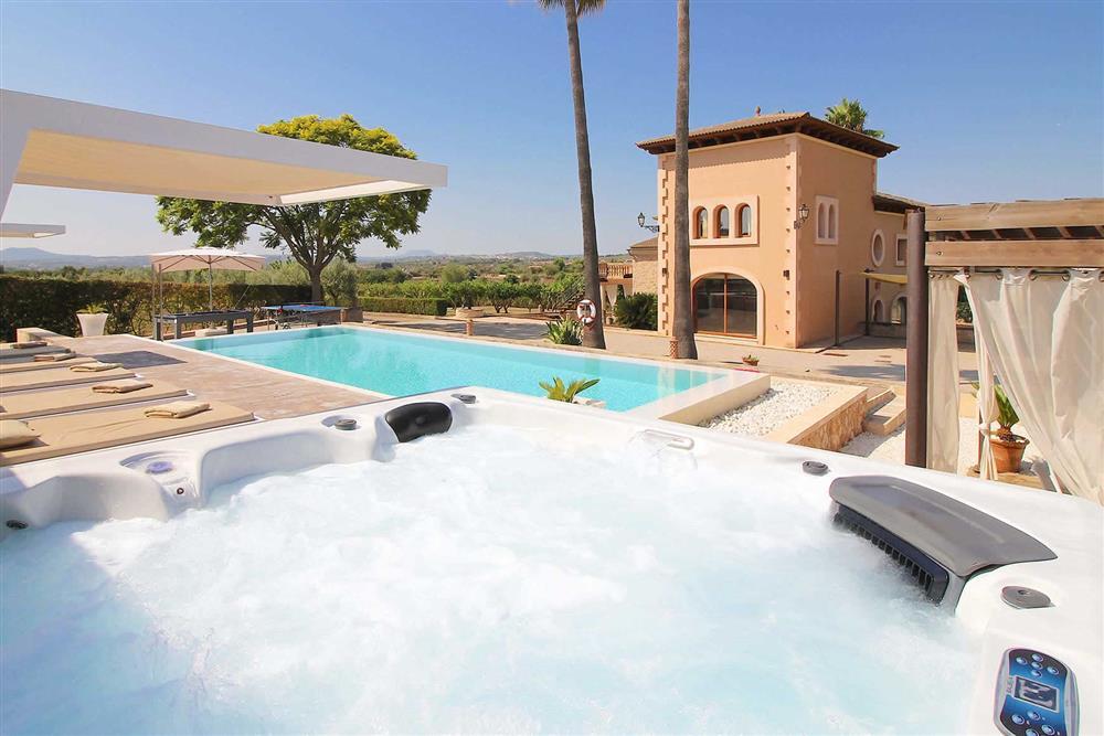 Hot tub at Villa Es Bosqueres, Santa Margalida, Mallorca