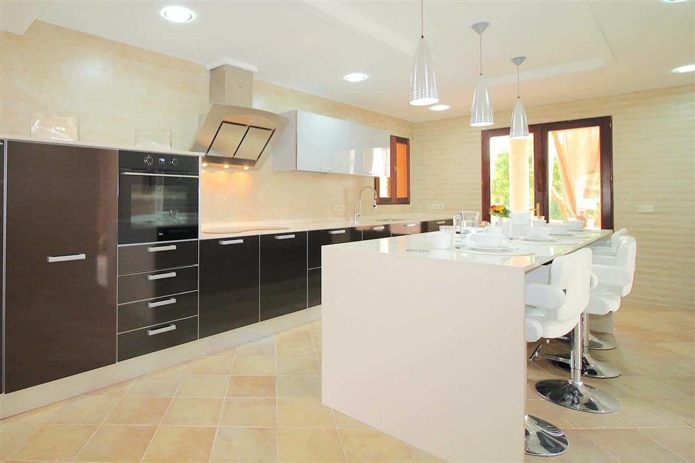 The kitchen at Villa Es Bosqueres, Santa Margalida, Mallorca