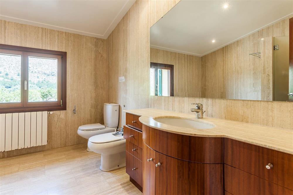 Bathroom (photo 4) at Villa Les Oliveres, Puerto Pollensa, Mallorca