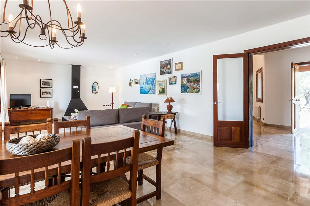 Dining room, lounge at Villa Les Oliveres, Puerto Pollensa, Mallorca