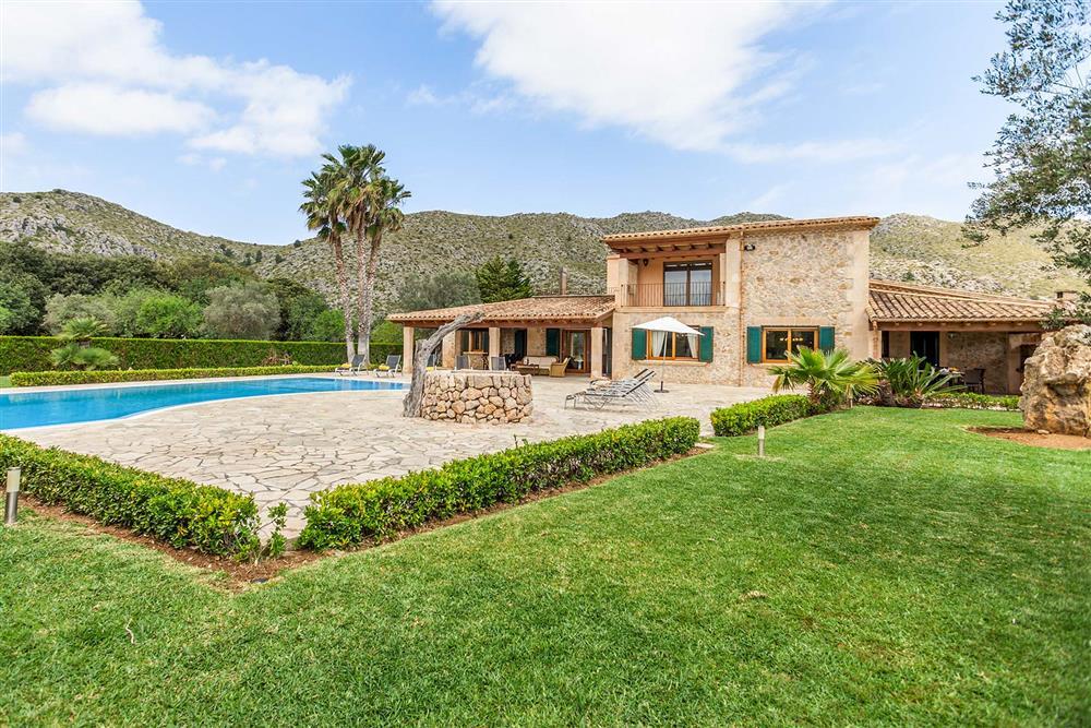 Villa exterior, garden (photo 2) at Villa Les Oliveres, Puerto Pollensa, Mallorca