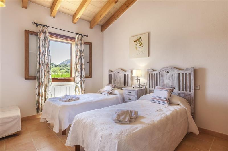 Twin bedroom (photo 2) at Villa Lirio, Alcudia, Spain