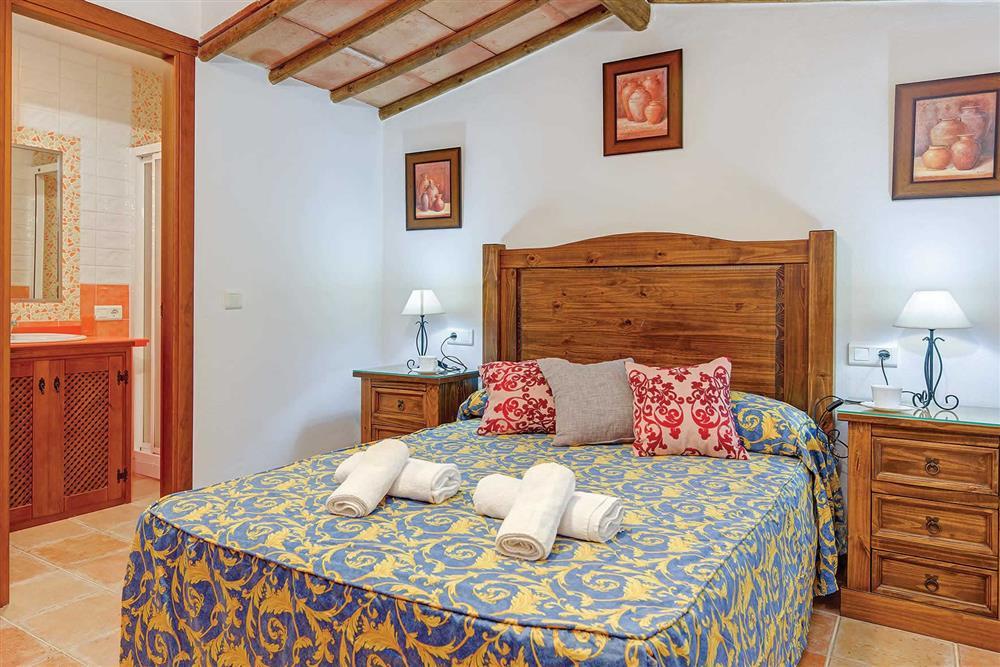 Double bedroom (photo 2) at Villa Los Tres Soles, Frigiliana, Andalucia
