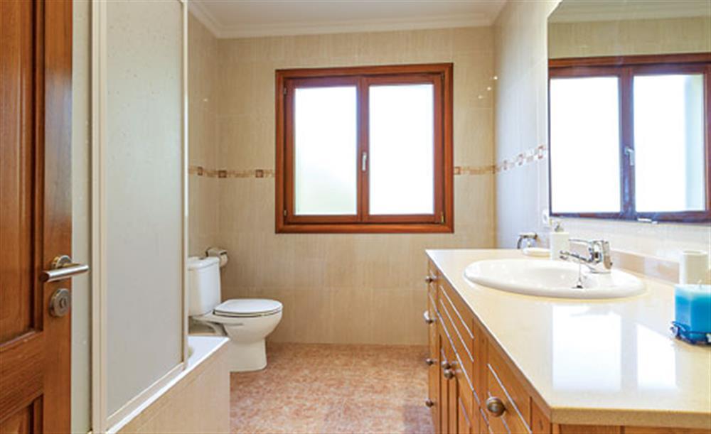 Bathroom at Villa Manresa, Alcudia, Mallorca