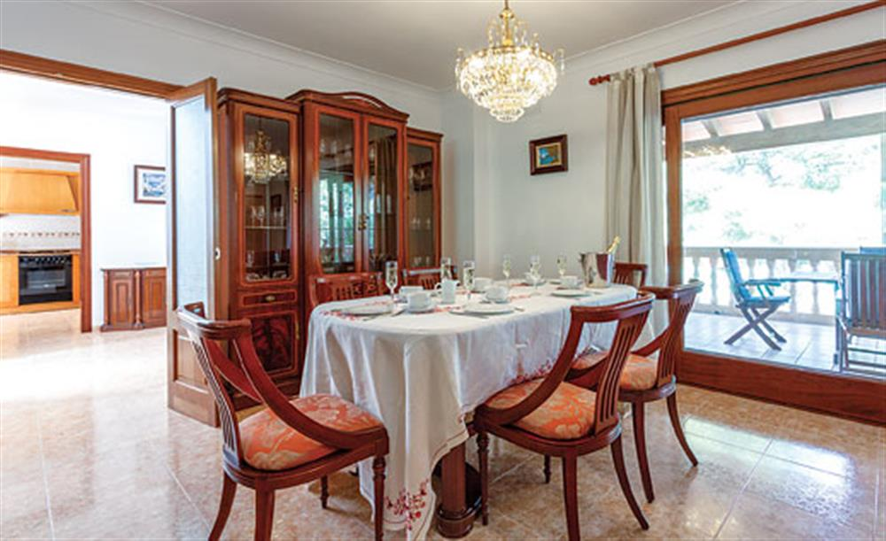 Dining room at Villa Manresa, Alcudia, Mallorca