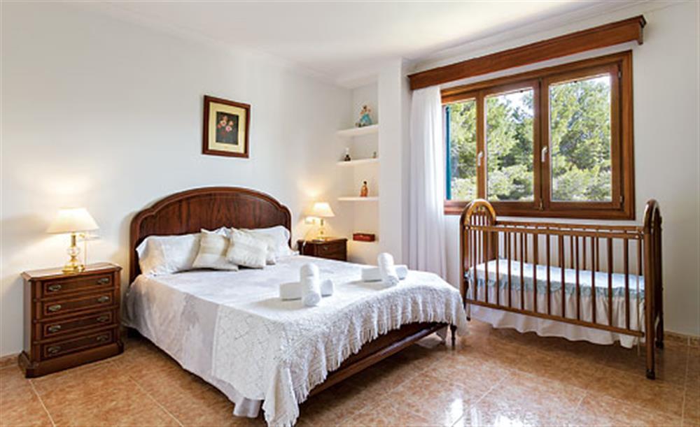 Double bedroom at Villa Manresa, Alcudia, Mallorca