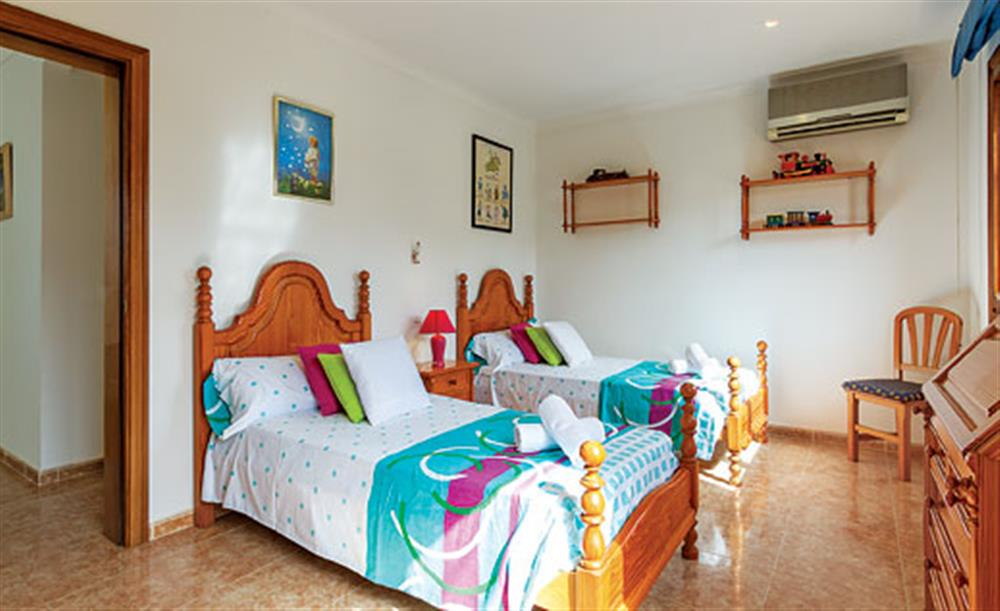 Twin bedroom at Villa Manresa, Alcudia, Mallorca