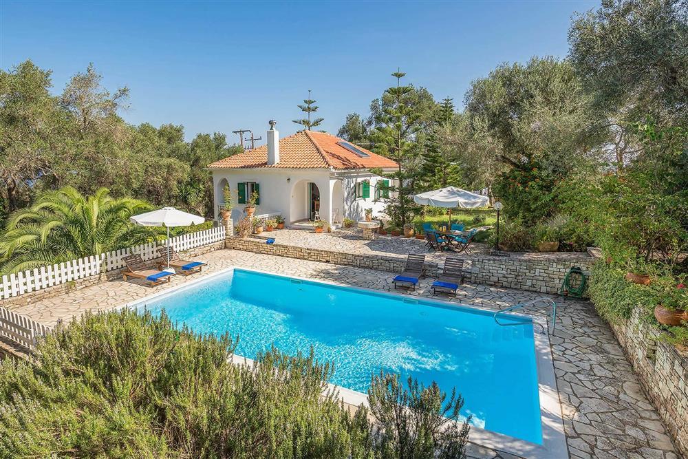 Pool, villa exterior