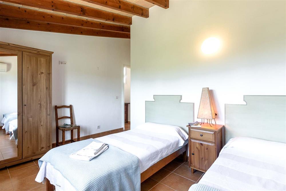 Twin bedroom (photo 4) at Villa Marina Alto, Pollensa, Mallorca