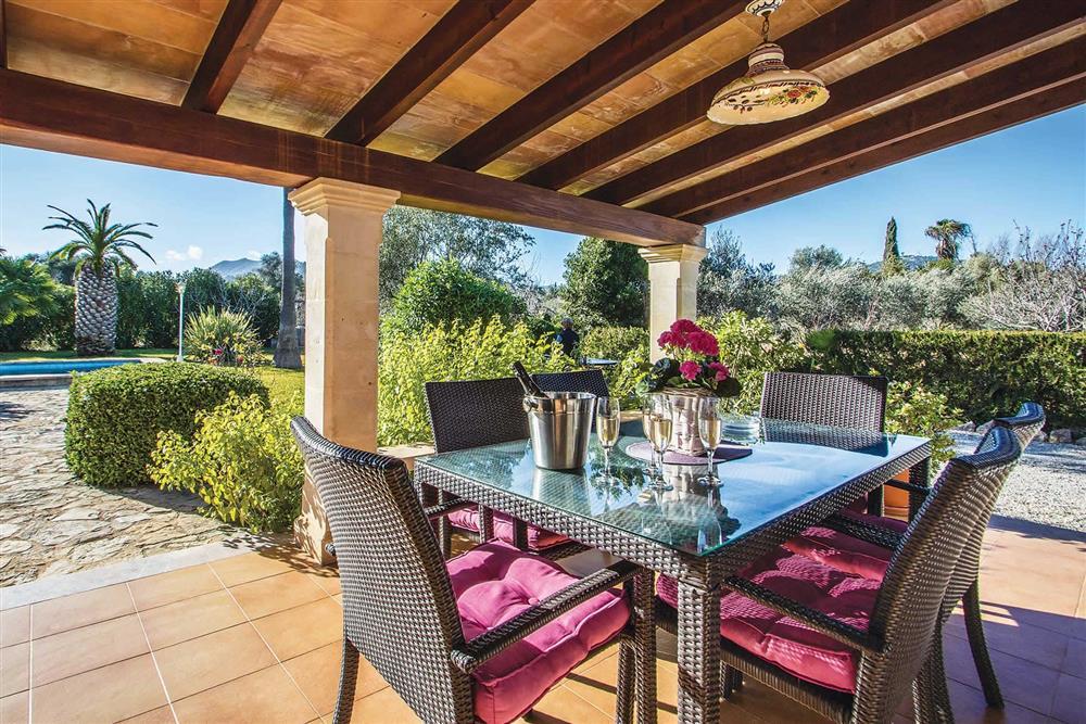 Covered terrace, alfresco dining at Villa Moreno, Pollensa, Mallorca