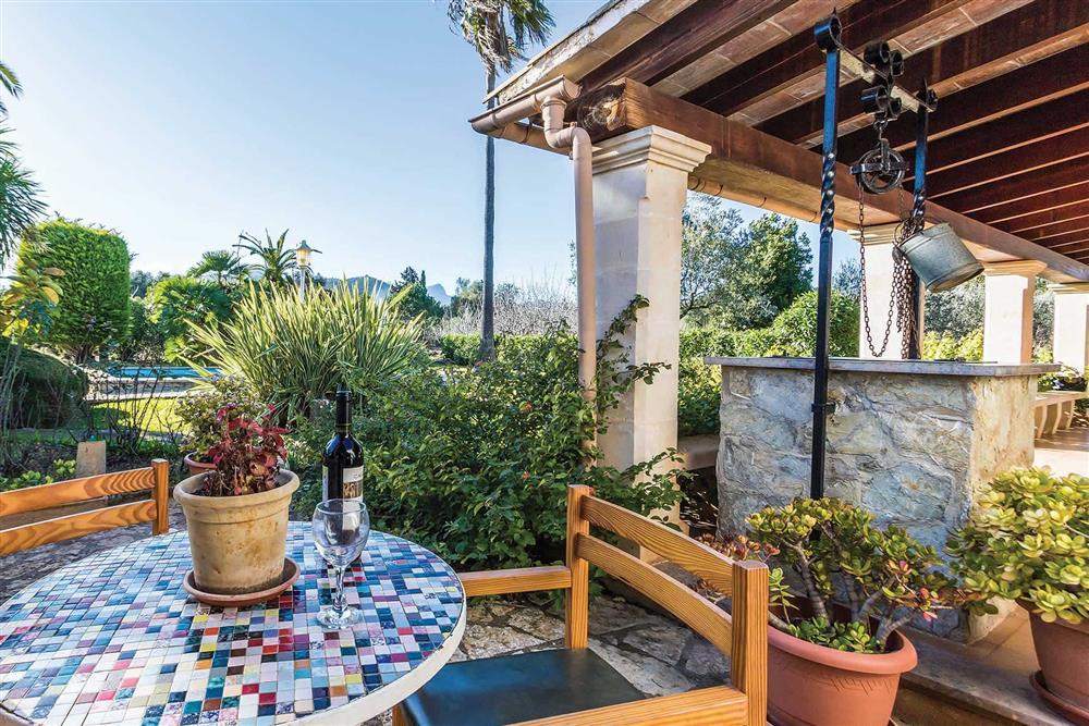 Garden, alfresco dining at Villa Moreno, Pollensa, Mallorca