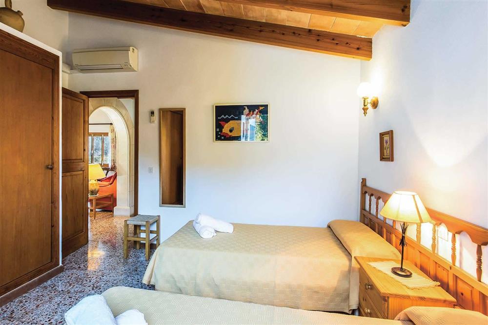 Twin bedroom (photo 6) at Villa Moreno, Pollensa, Mallorca