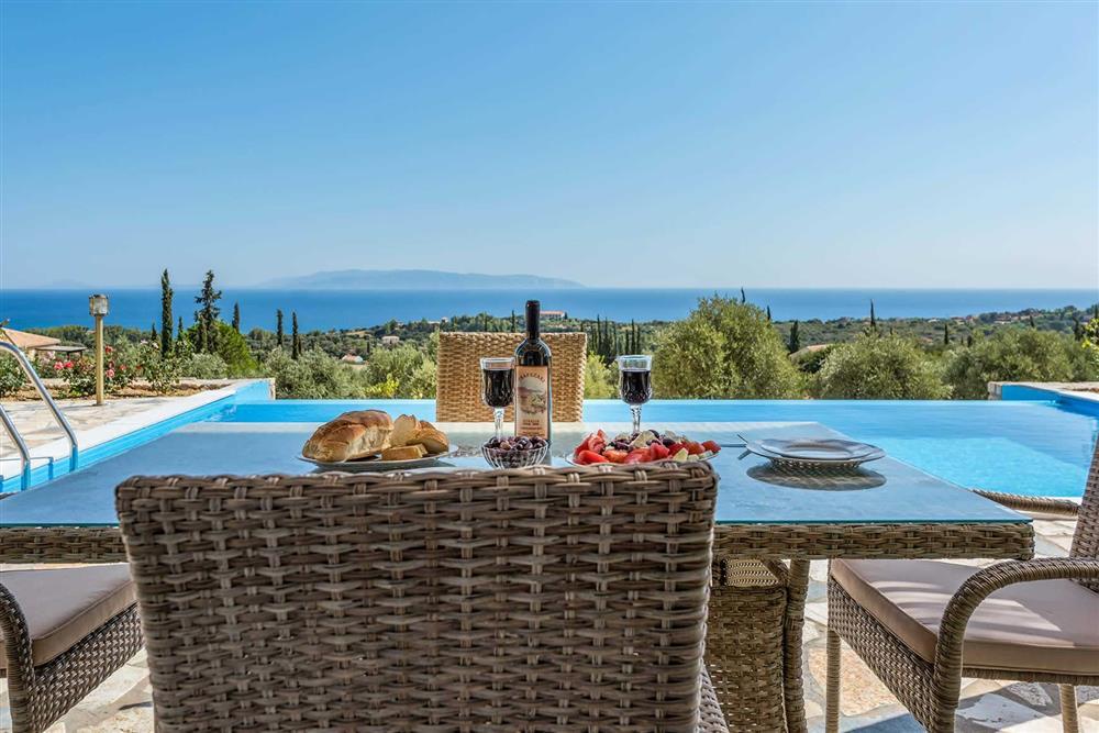 Alfresco dining, pool, sea view