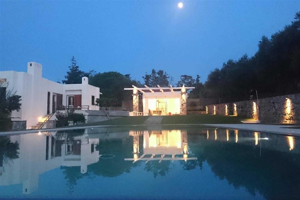 Villa with pool, night shot