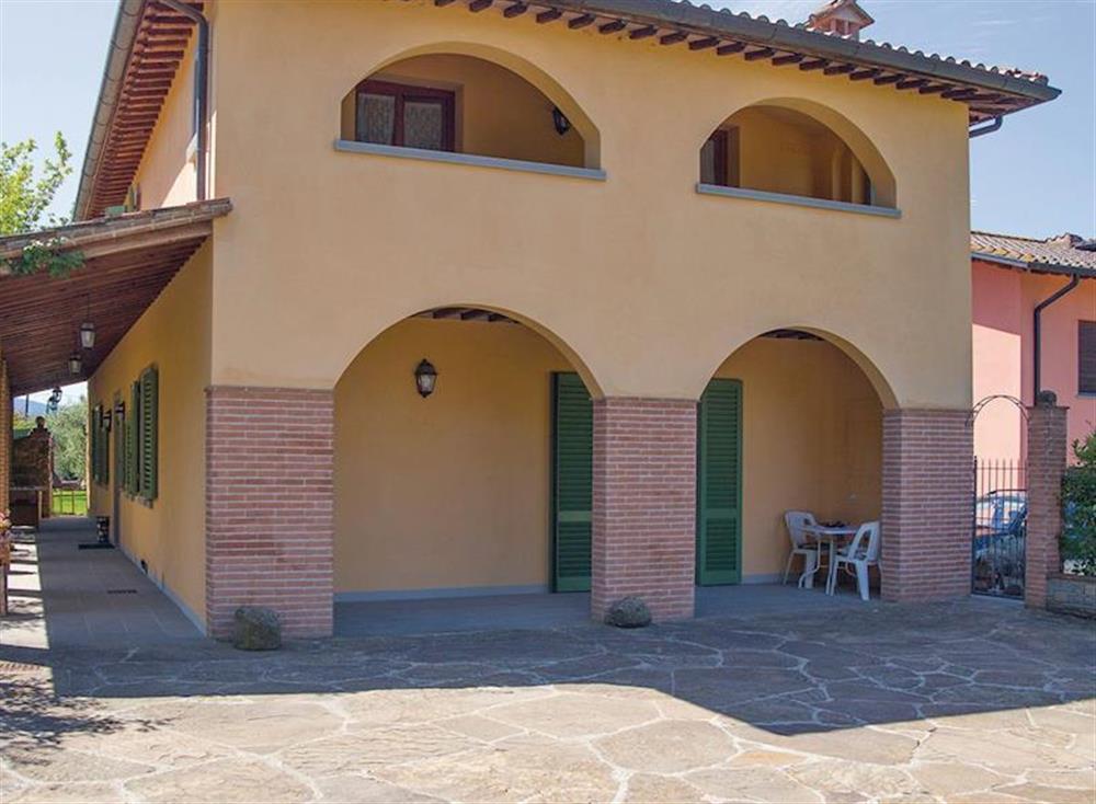 Villa Oliveto in Arezzo, Italy - Provincia di Arezzo sleeps 12