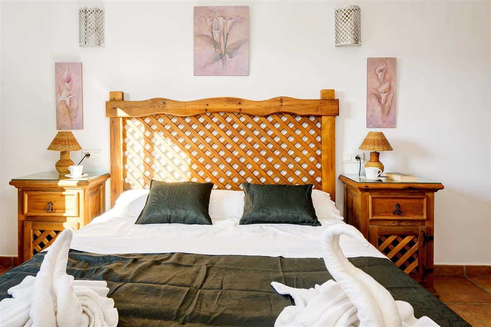 Double bedroom (photo 2) at Villa Paraiso, Frigiliana, Andalucia