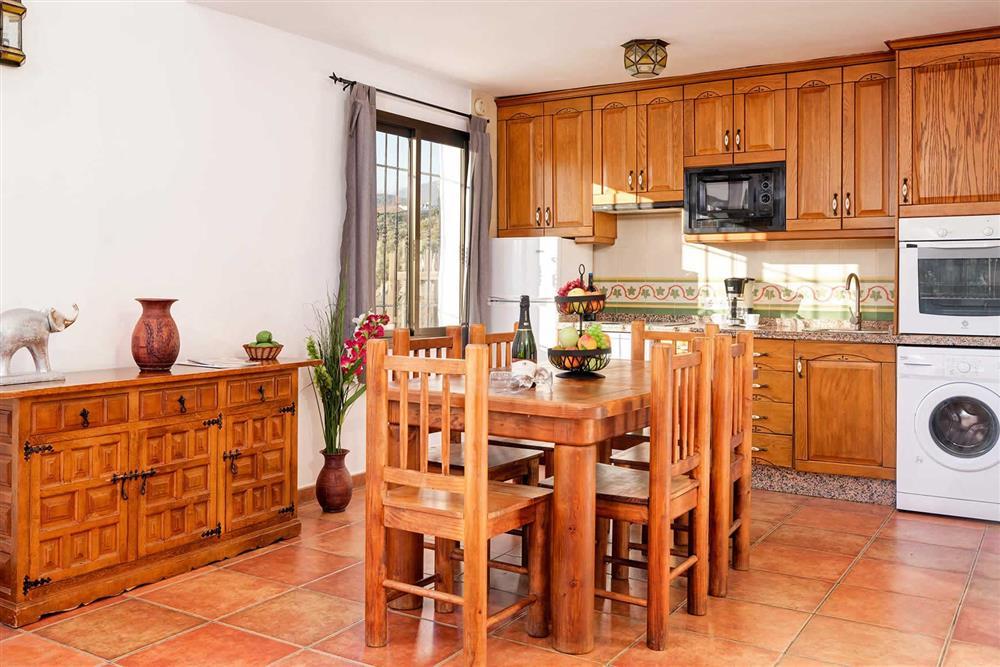 Kitchen/diner at Villa Paraiso, Frigiliana, Andalucia