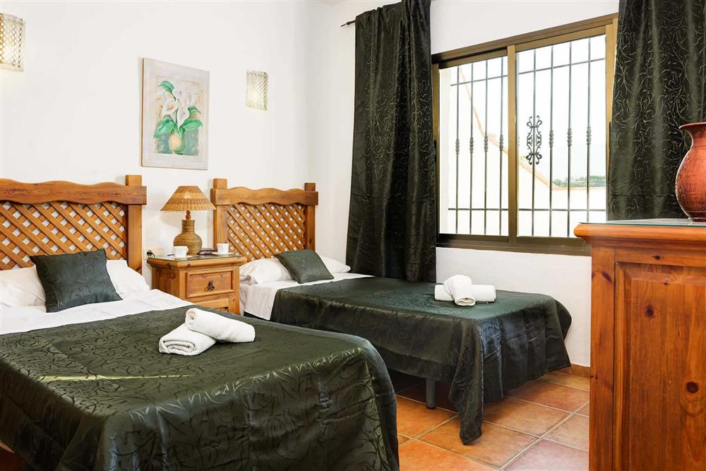 Twin bedroom at Villa Paraiso, Frigiliana, Andalucia