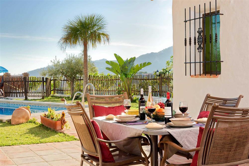 Villa with pool, alfresco dining at Villa Paraiso, Frigiliana, Andalucia