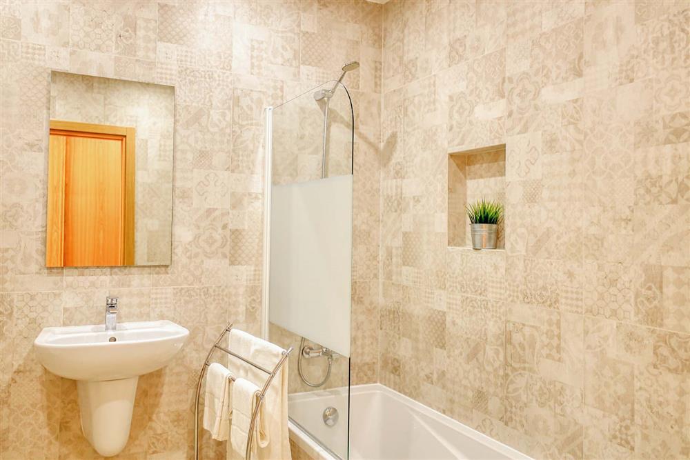 Bathroom (photo 4) at Villa Raquel, Vale de Parra, Algarve