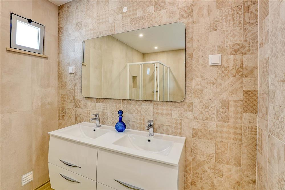 Bathroom (photo 6) at Villa Raquel, Vale de Parra, Algarve