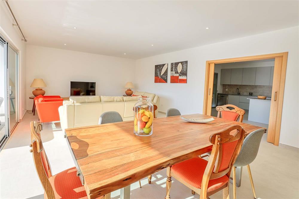 Dining room, lounge at Villa Raquel, Vale de Parra, Algarve