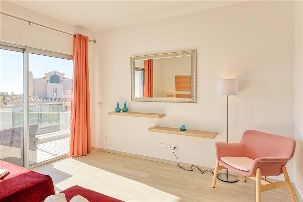 Double bedroom (photo 10) at Villa Raquel, Vale de Parra, Algarve