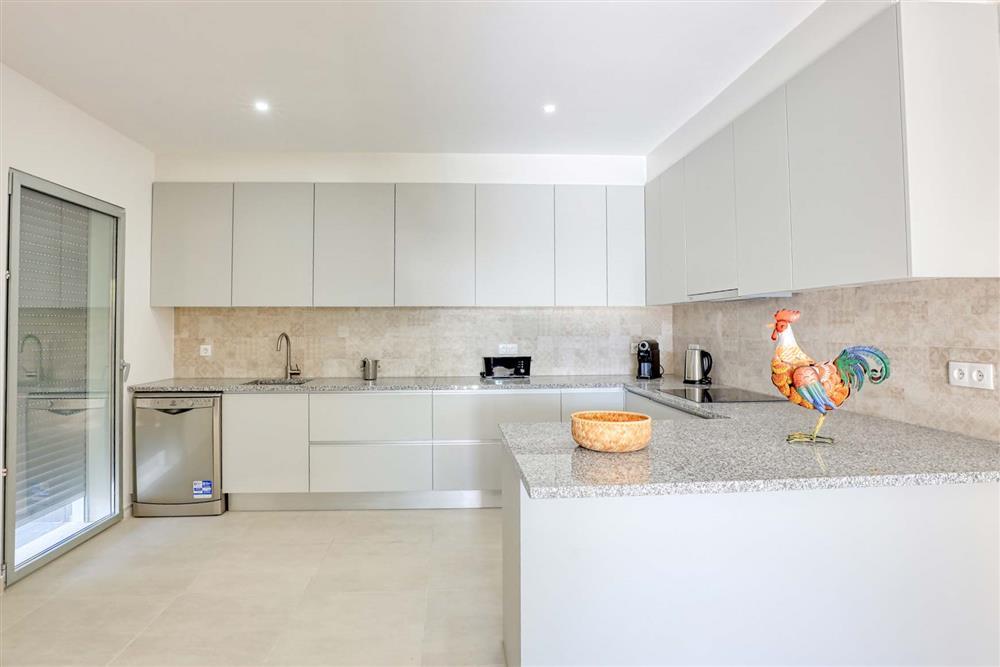 Kitchen (photo 2) at Villa Raquel, Vale de Parra, Algarve