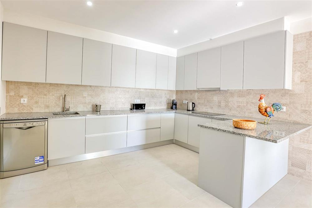 Kitchen (photo 6) at Villa Raquel, Vale de Parra, Algarve