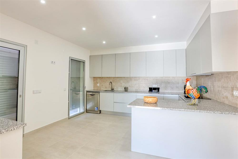 Kitchen (photo 8) at Villa Raquel, Vale de Parra, Algarve