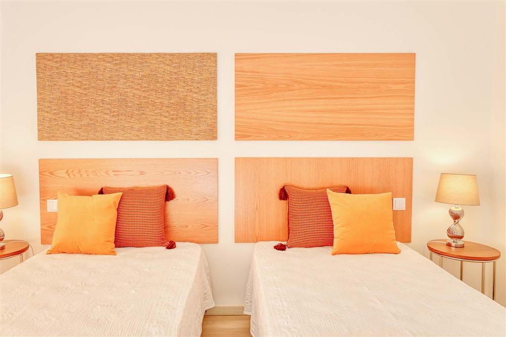 Twin bedroom (photo 4) at Villa Raquel, Vale de Parra, Algarve