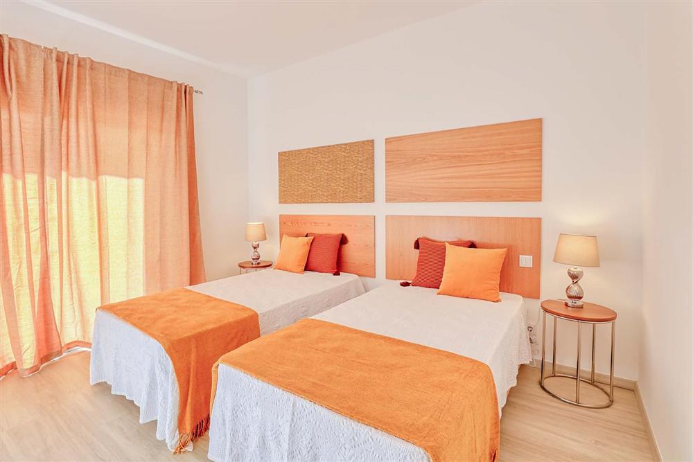 Twin bedroom at Villa Raquel, Vale de Parra, Algarve