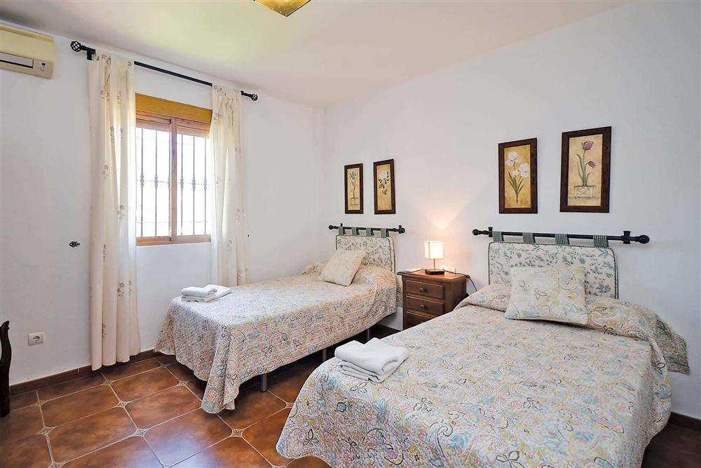 Twin bedroom (photo 2) at Villa Robus, Frigiliana, Andalucia