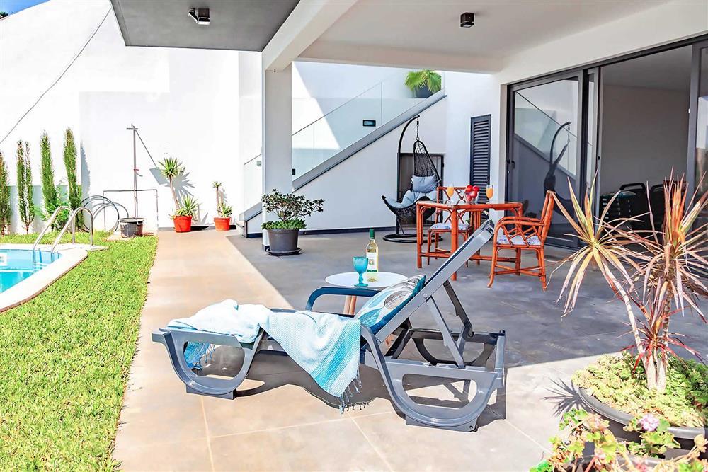Villa with pool (photo 4) at Villa Serafina, Funchal, Madeira