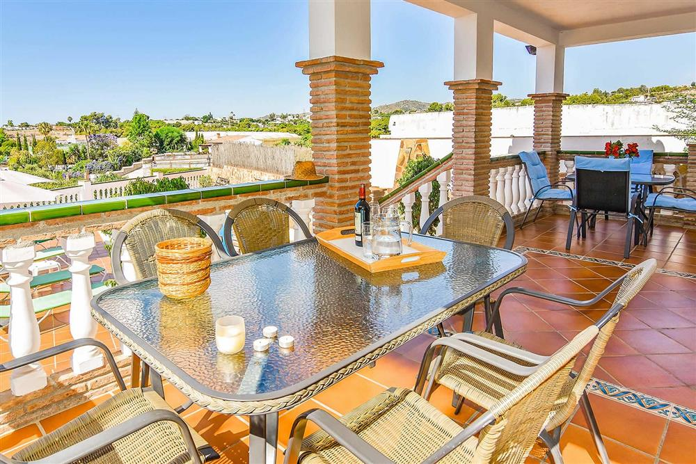 Alfresco dining at Villa Serymar, Nerja, Andalucia