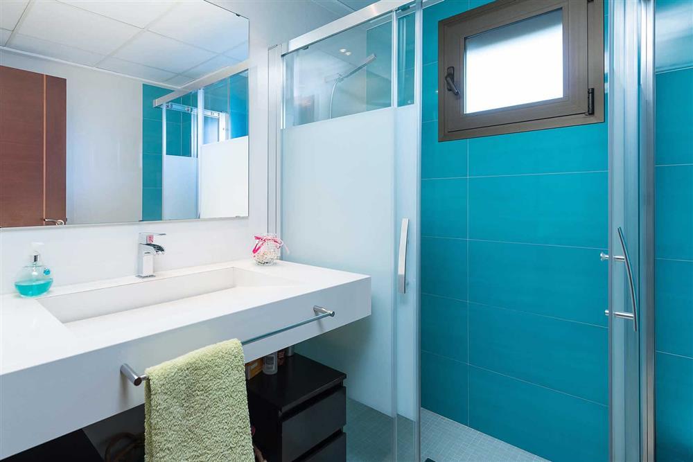 Bathroom at Villa Son Morey II, Can Picafort, Mallorca