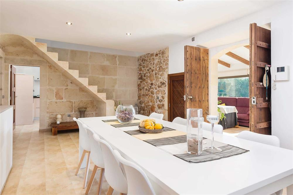 Dining room, conservatory at Villa Son Morey II, Can Picafort, Mallorca