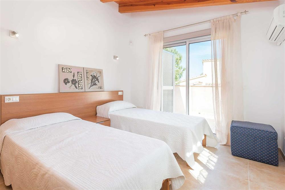 Twin bedroom at Villa Synera, Alcudia, Mallorca