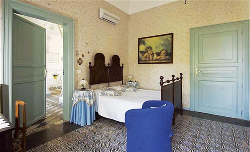Double bedroom (photo 4) at Villa Trombadore, Modica Sicily, Italy