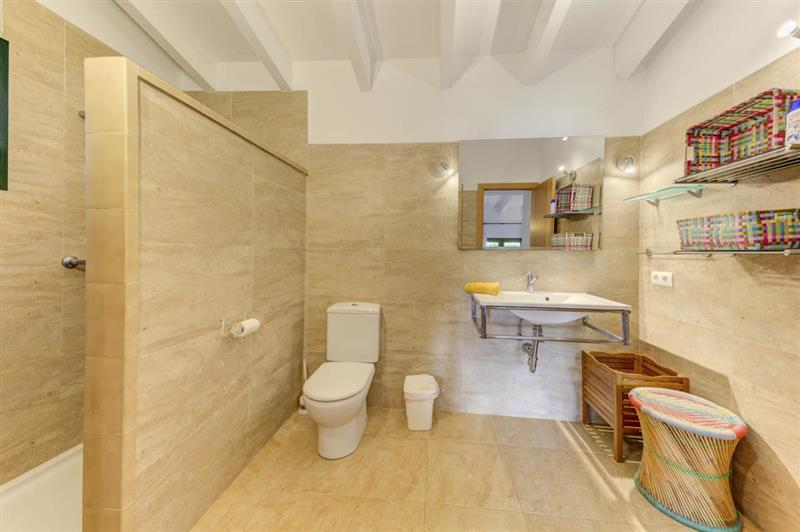 Bathroom (photo 2) at Villa Tulipan, Alcudia, Spain