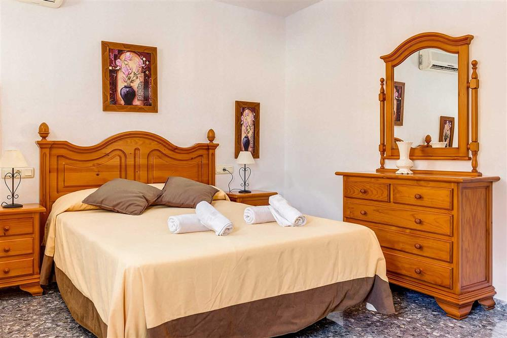 Double bedroom at Villa Vista Azul, Frigiliana, Andalucia