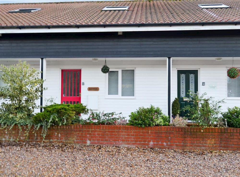 Delightful holiday cottage at Wanderer in Sutton Staithe, near Stalham, Norfolk