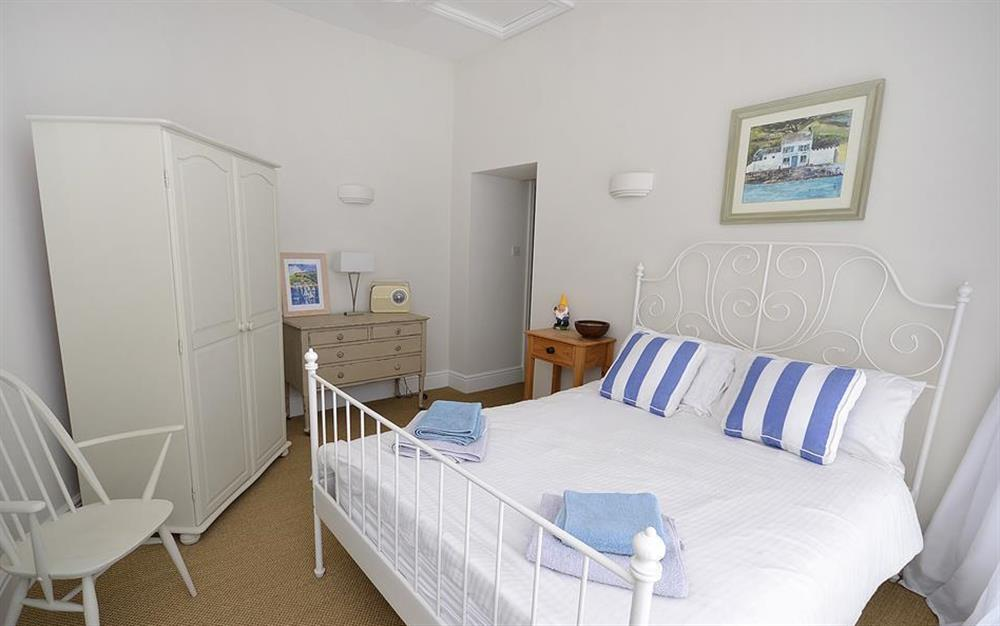 The master double bedroom at Waters Edge, Stoke Gabriel