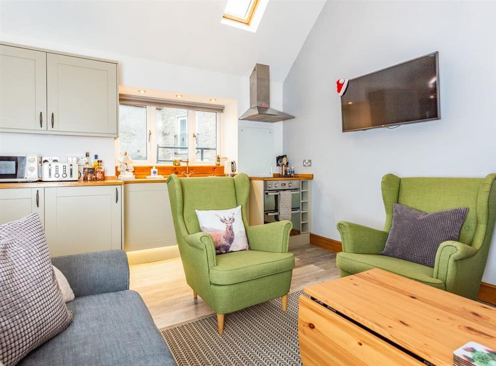 Open plan living space at 1 Wee Kalf,