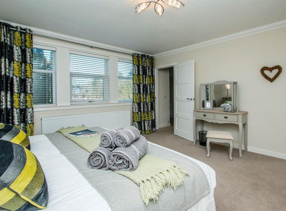 Elegantly decorated double bedroom (photo 2) at Wellpark in Alloway, near Ayr, Ayrshire