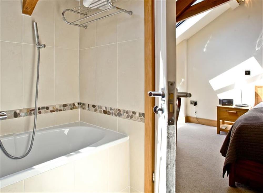Bathroom at Wells Park Barn in Dartmouth & Kingswear, South Devon